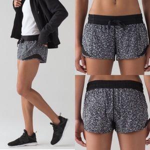 "lululemon Hotty Hot Shorts 2.5"" Black Floral Sz4"